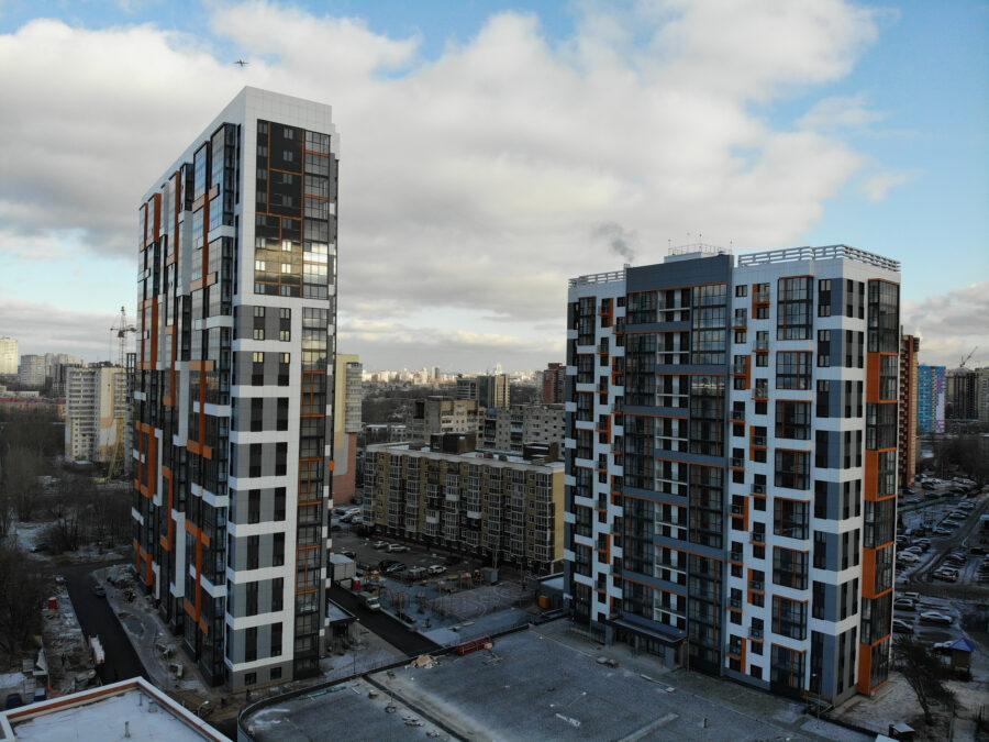 Многоквартирный жилой дом со встроенно-пристроенной автостоянкой по ул. Энгельса, 27 в г.Перми
